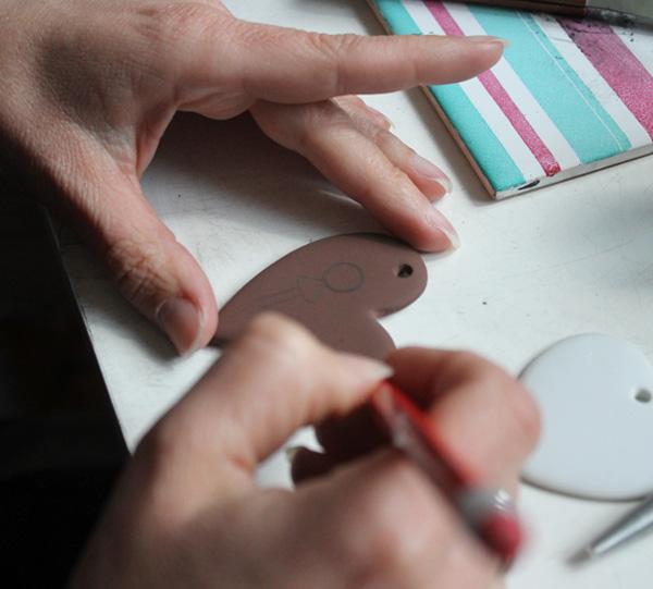 01_claudia-ladriere-creation-atelier-peinture-sur-porcelaine